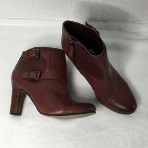 SAM EDELMAN Brown Leather Ankle Booties. Size 8.5